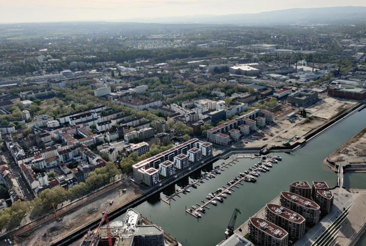 Buche einen lokalen Rundflug über Mainz, Ingelheim und Wiesbaden, mit Dross:Air ab Mainz Finthen Flugplatz (EDFZ)