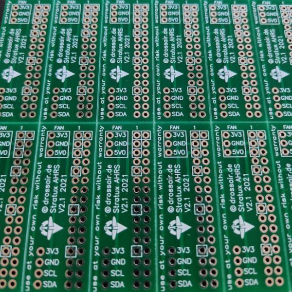 V2.1 – optimized Stratux AHRS sensor board mount + dust protection + sideways direction